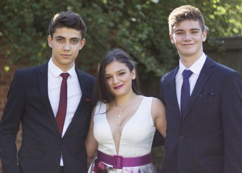 IB graduates from St Clare's Oxford